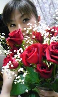 """花言葉は""""Love<br />  """"なのだ"""